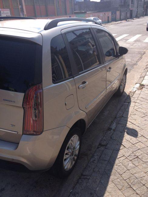 Fiat Idea Essence 1.6 16V E.TorQ Dualogic - Foto #8