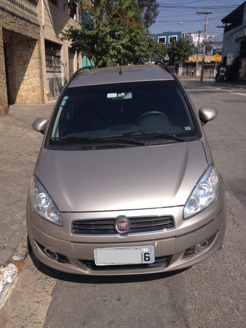 Fiat Idea Essence 1.6 16V E.TorQ Dualogic - Foto #1