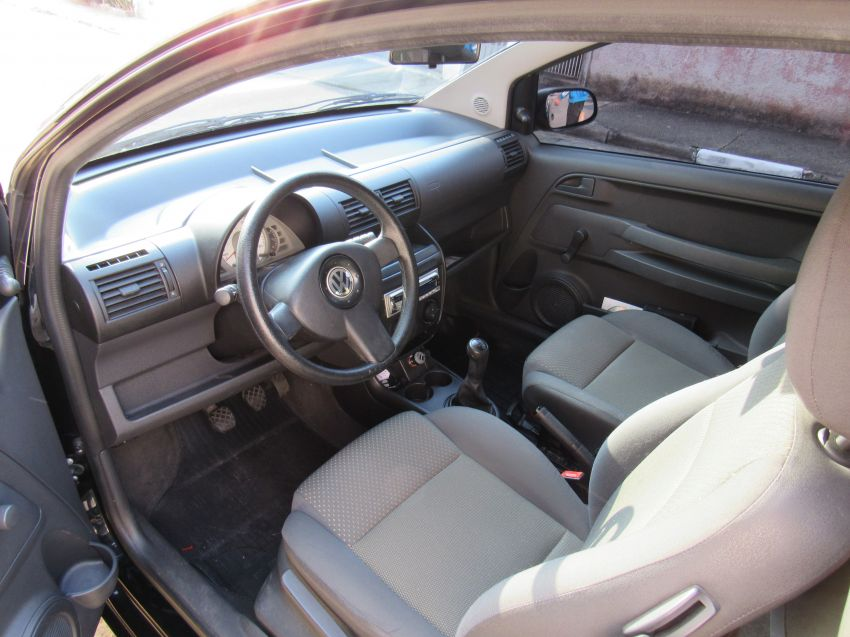Volkswagen Fox 1.0 8V (Flex) 2p - Foto #6