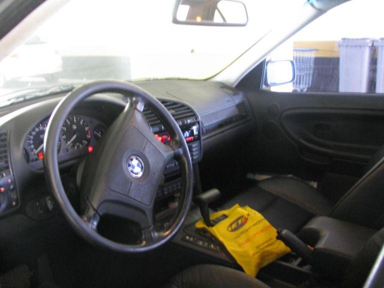 BMW 328i 2.0 (Aut) - Foto #2