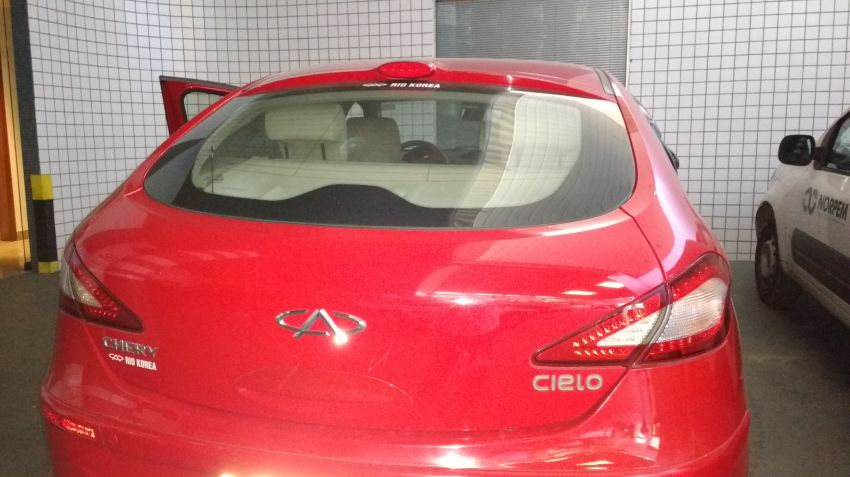 Chery Cielo Hatch 1.6 16V - Foto #10