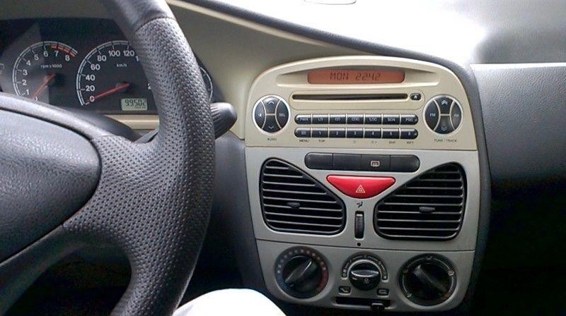 Fiat Palio ELX 1.0 16V Fire 4p - Foto #9