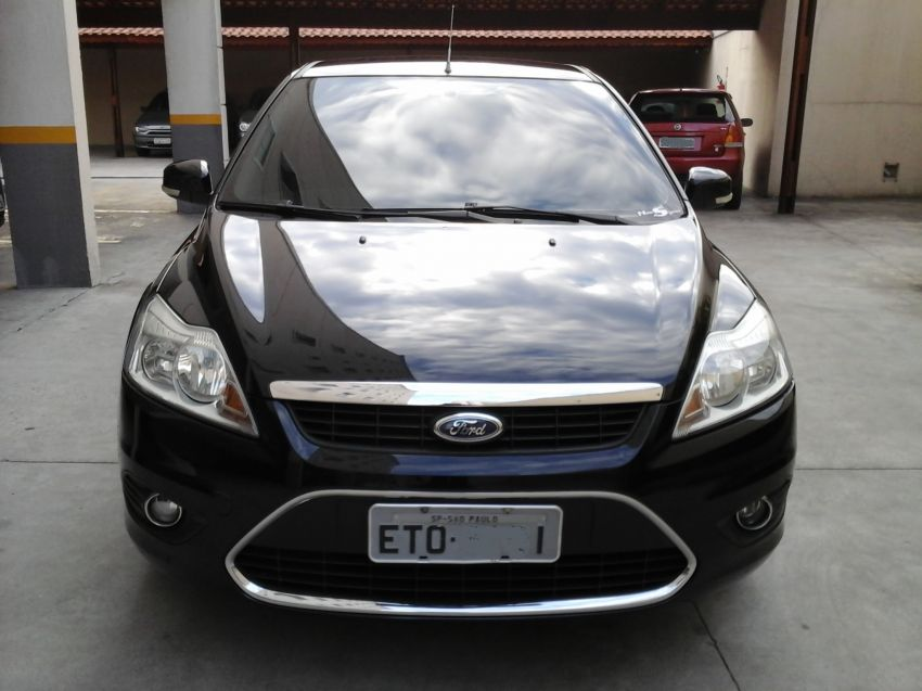 Ford Focus Sedan GLX 2.0 16V (Flex) (Aut) - Foto #2