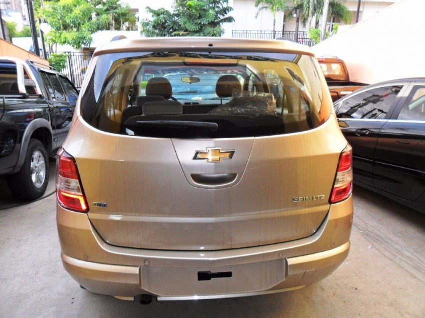 Chevrolet Spin LTZ 7S 1.8 (Flex) - Foto #7