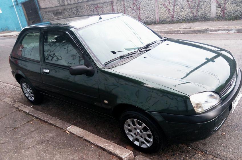 Ford Fiesta Hatch Street 1.0 8V - Foto #4