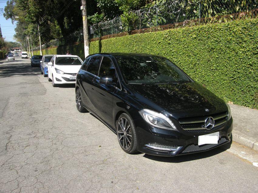 Mercedes-Benz B 200 1.6 Turbo Sport - Foto #1