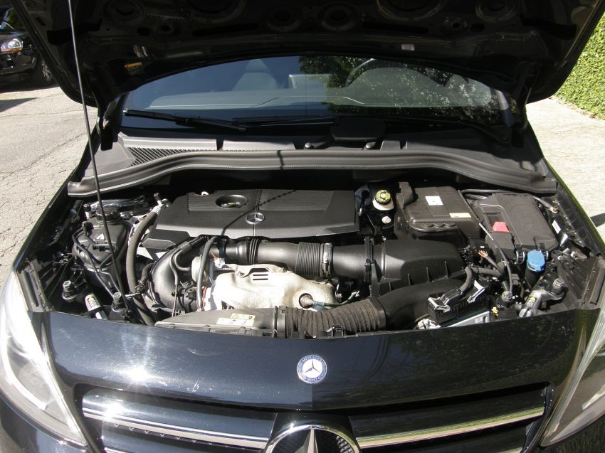 Mercedes-Benz B 200 1.6 Turbo Sport - Foto #2