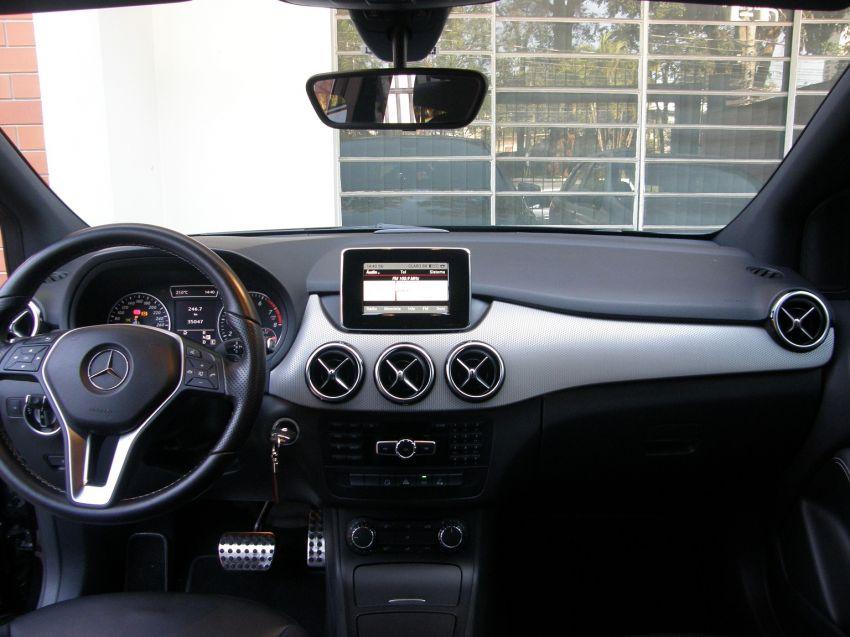 Mercedes-Benz B 200 1.6 Turbo Sport - Foto #9