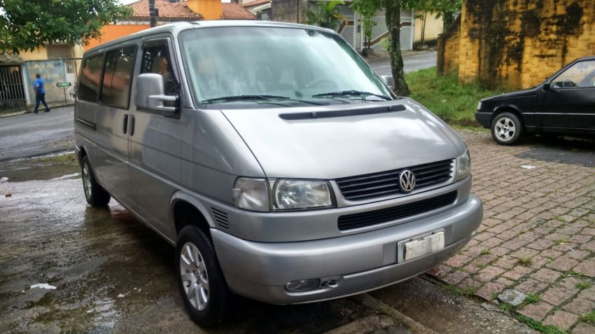 Volkswagen Caravelle 2.4 - Foto #2