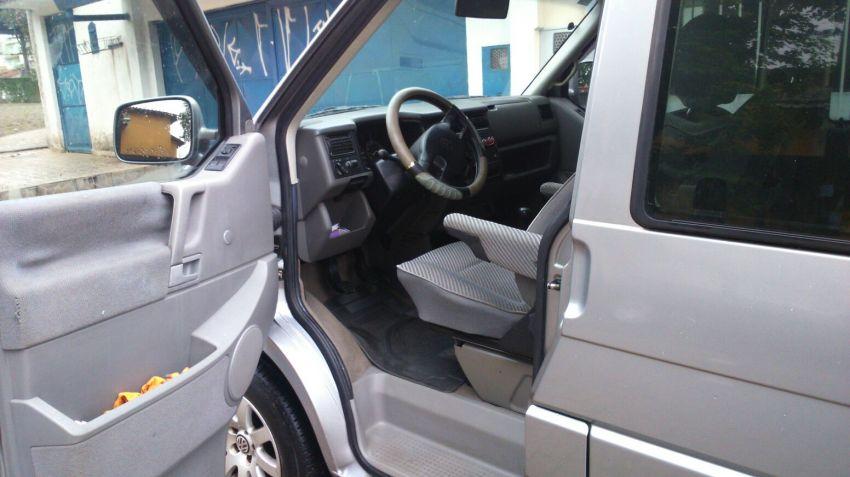 Volkswagen Caravelle 2.4 - Foto #7