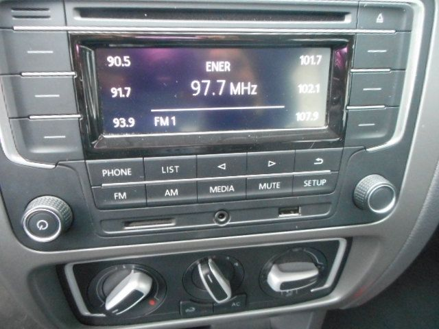 Volkswagen Fox Comfortline 1.6 MSI (Flex) - Foto #10