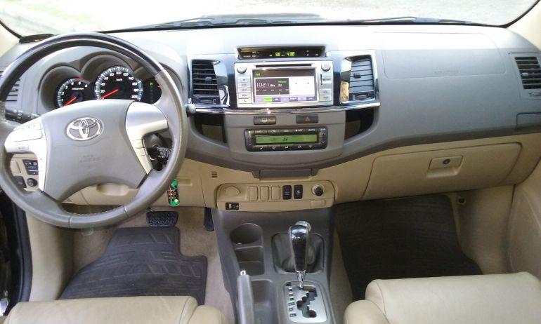 Toyota Hilux SW4 SRV 4x4 3.0 Turbo (aut)2 - Foto #6