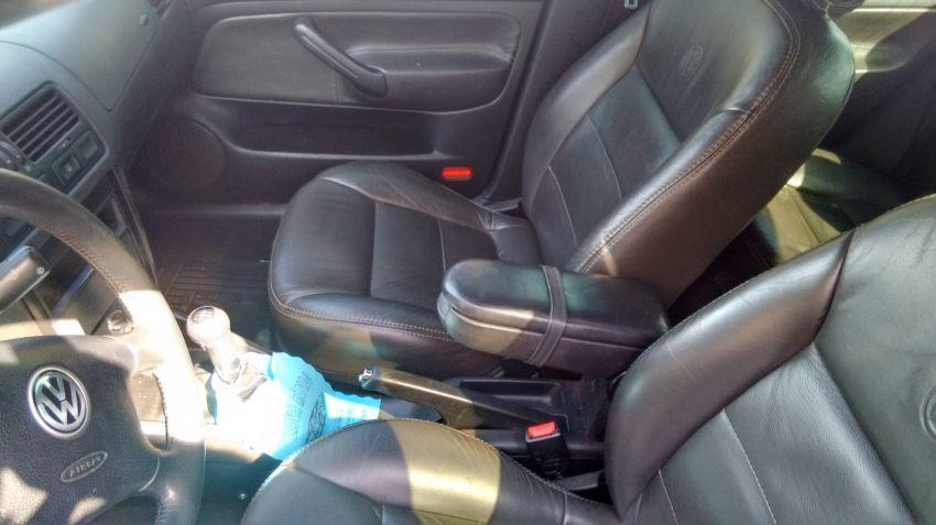 Volkswagen Bora 2.0 MI Comfortline - Foto #1