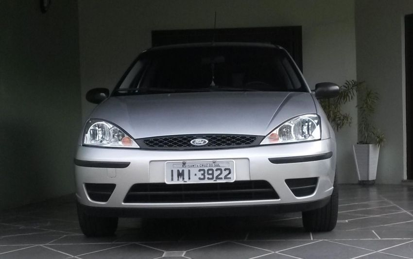 Ford Focus Hatch GL 1.6 8V - Foto #3