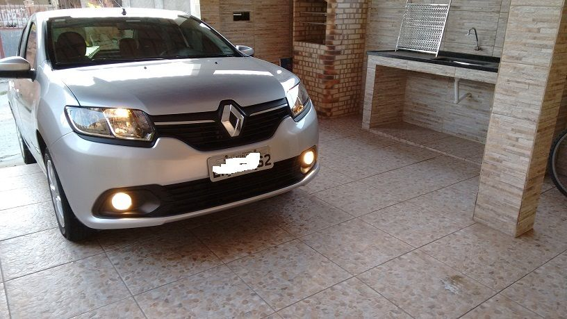 Renault Logan Authentique 1.6 8V Hi-Torque (flex) - Foto #2