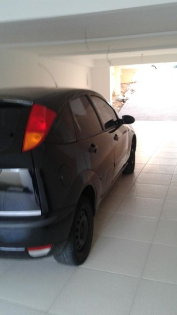 Ford Focus Hatch GL 1.6 8V - Foto #4