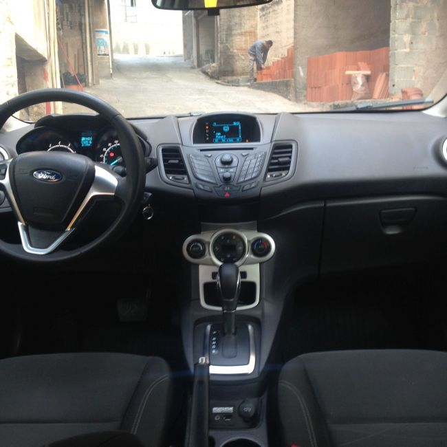 Ford New Fiesta SE 1.6 16V PowerShift - Foto #5