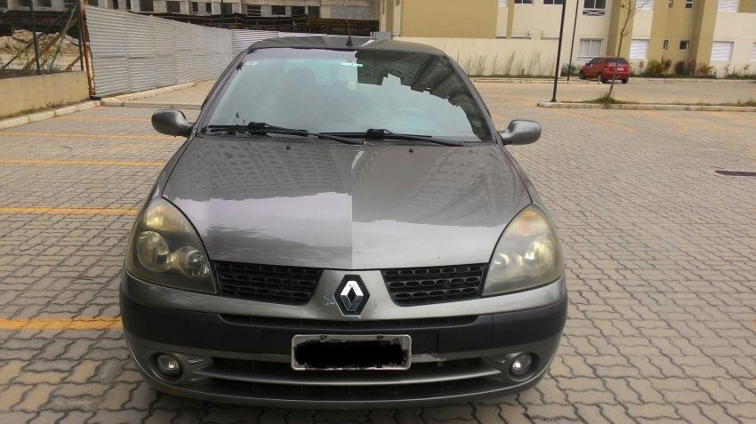 Renault Clio Sedan Privilége 1.0 16V - Foto #4