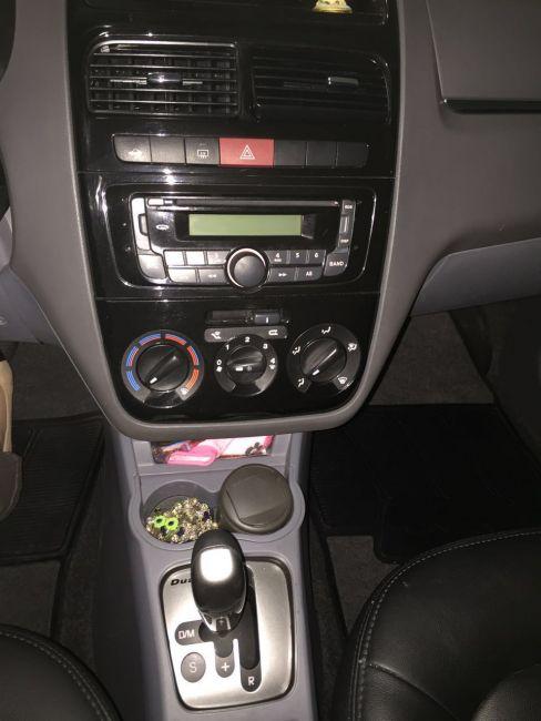 Fiat Linea 1.8 16V Essence Dualogic - Foto #2
