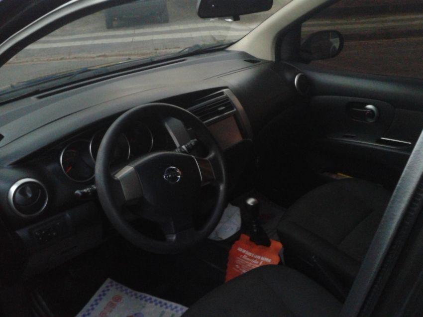 Nissan Grand Livina S 1.8 16V (flex) - Foto #1