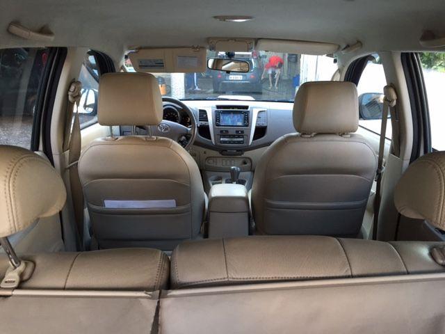 Toyota Hilux SW4 3.0 TDI 4x4 SRV 5L Auto - Foto #1