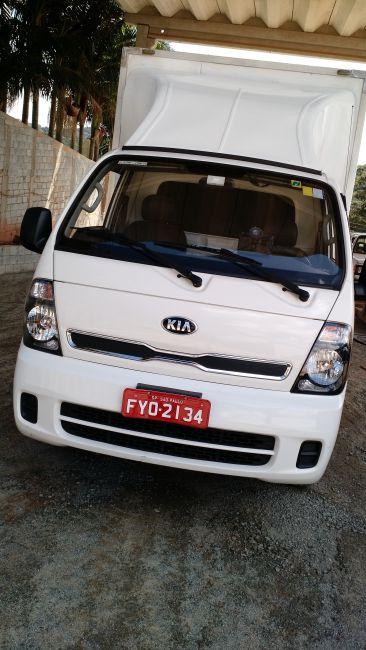 KIA Bongo 2.5 STD 4X2 c simples RS com carrocaria TURBO