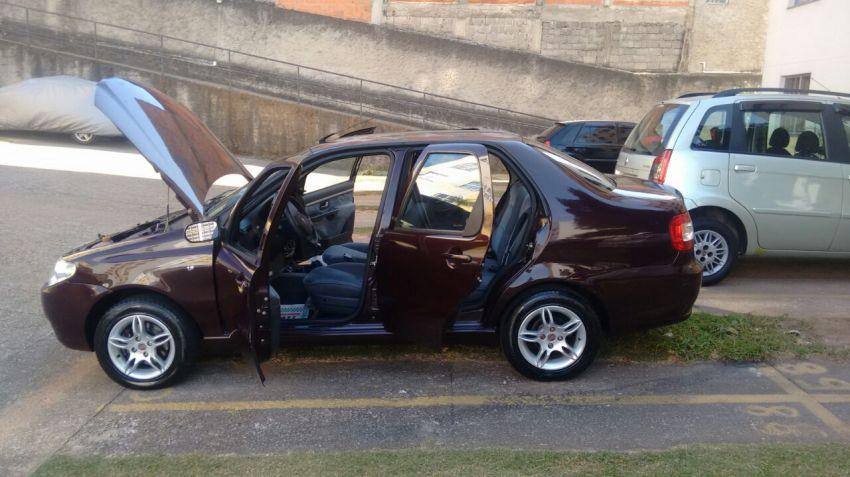 Fiat Siena HLX 1.8 8V (Flex) - Foto #4