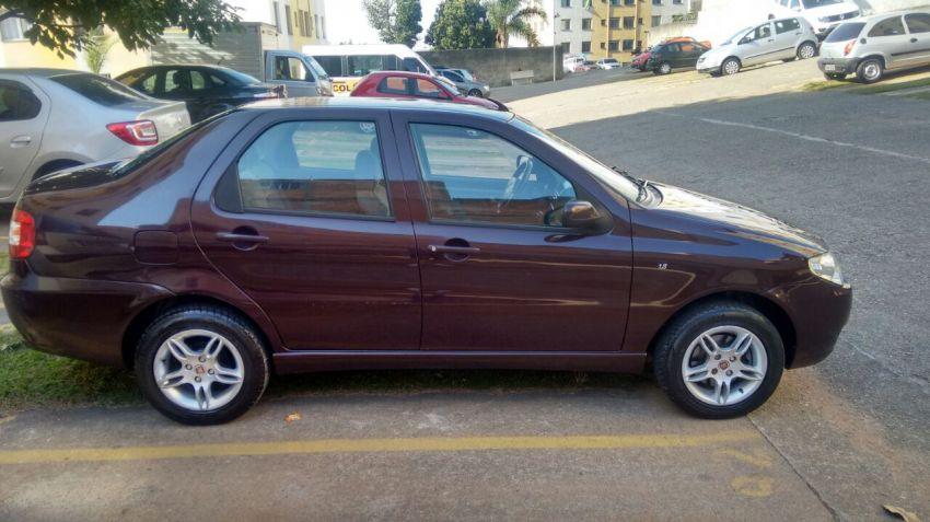 Fiat Siena HLX 1.8 8V (Flex) - Foto #6