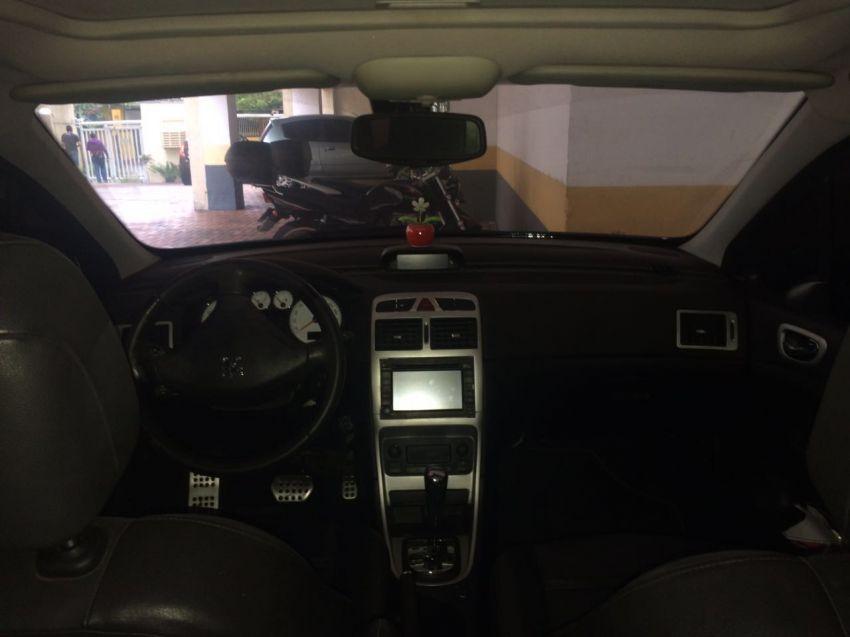 Peugeot 307 Sedan Griffe 2.0 16V (aut) - Foto #2