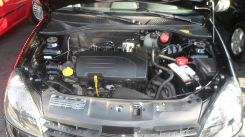 Renault Clio Hatch. Campus 1.0 16V (flex) 4p - Foto #10