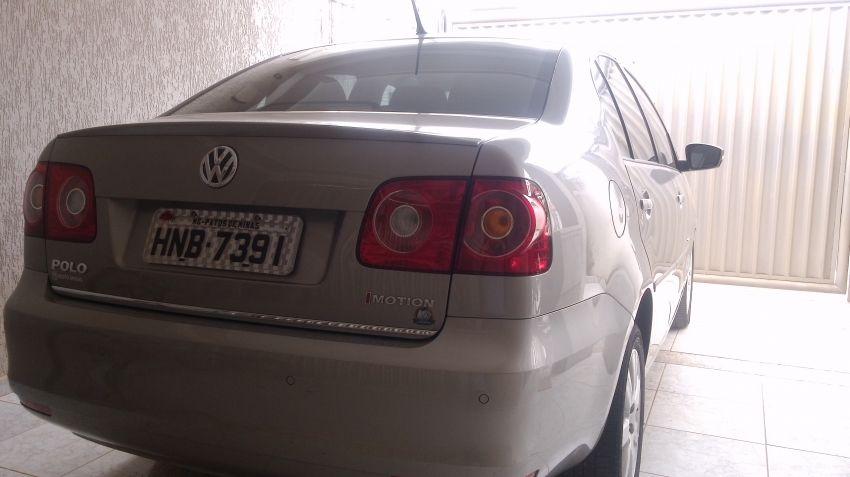 Volkswagen Polo Sedan Comfortline 1.6 8V I-Motion (Flex) (Aut) - Foto #2