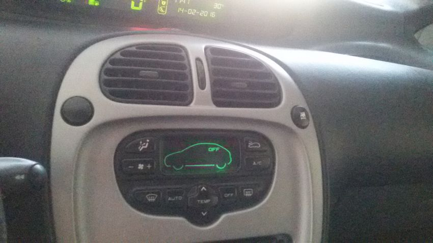 Citroën Xsara Picasso Exclusive 2.0 16V - Foto #2