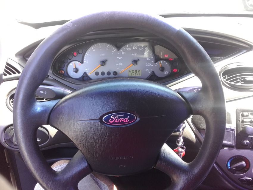 Ford Focus Sedan 1.6 8V - Foto #8