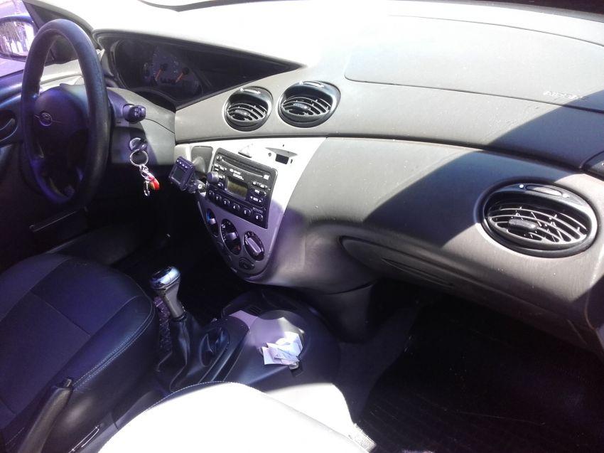 Ford Focus Sedan 1.6 8V - Foto #9