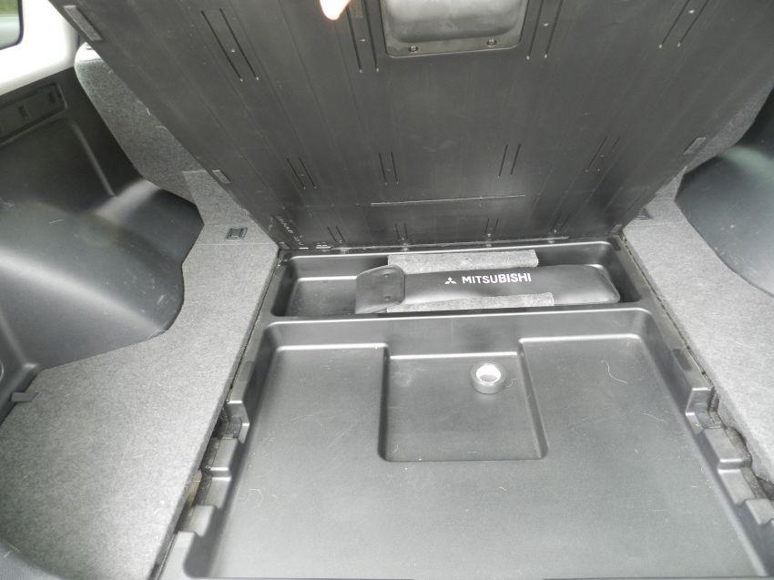 Mitsubishi Airtrek 4x4 2.4 16V (aut) - Foto #8