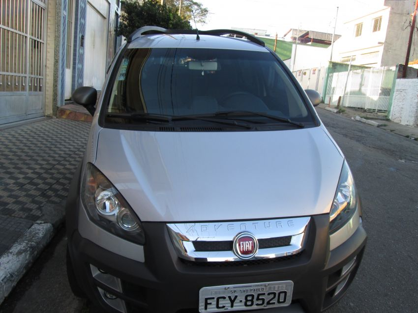 Fiat Idea Adventure 1.8 (Flex) - Foto #1