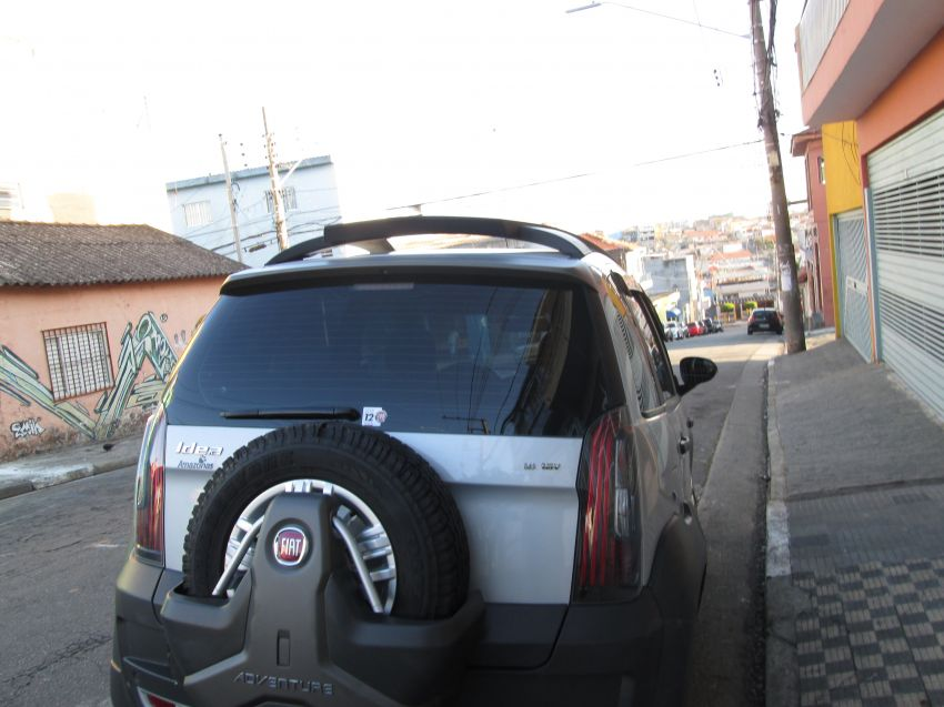 Fiat Idea Adventure 1.8 (Flex) - Foto #5