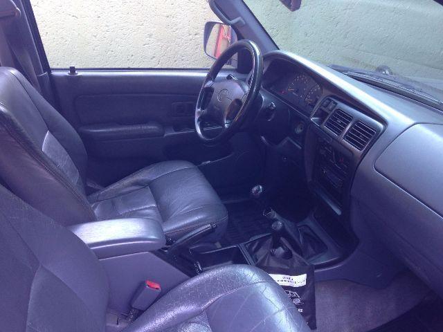 Toyota Hilux SW4 4x4 3.0 Turbo - Foto #5