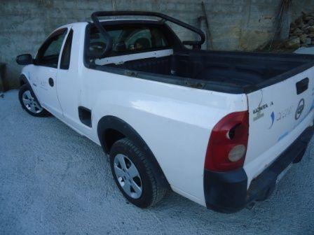 Chevrolet Montana 1.8 8V - Foto #2