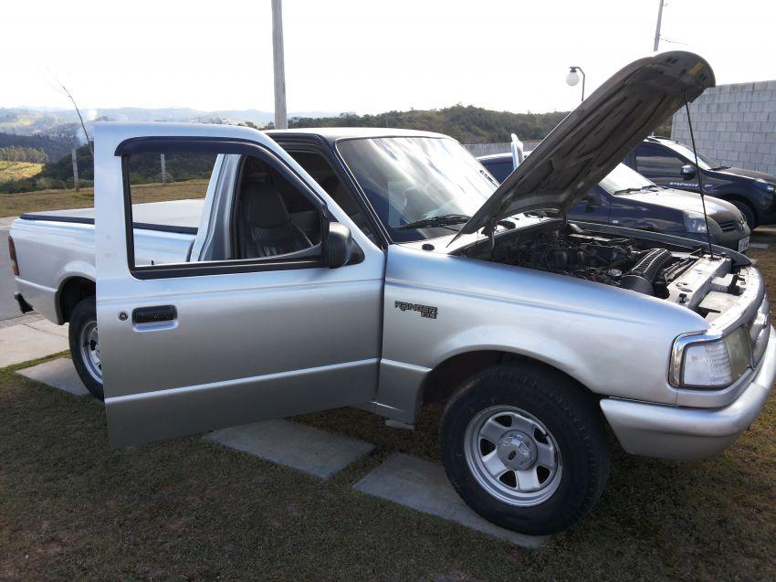 Ford Ranger XL 4x2 4.0 V6 (Cab Simples) - Foto #4