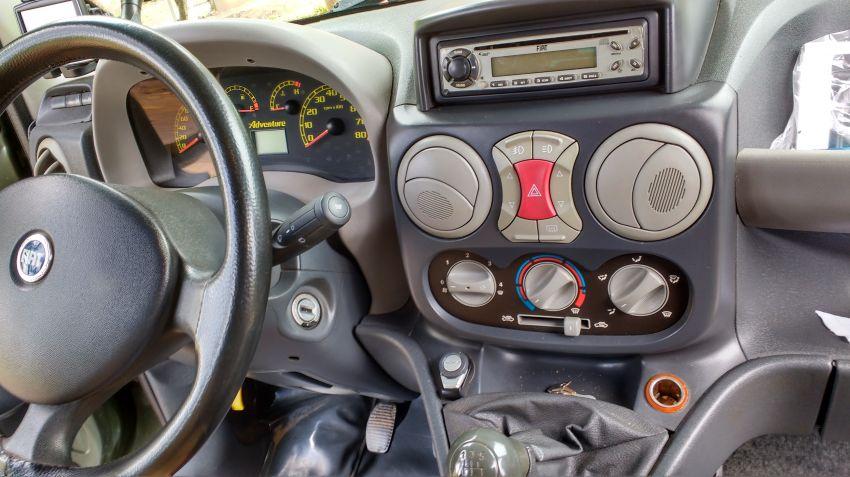 Fiat Doblò Adventure 1.8 (Flex) - Foto #5