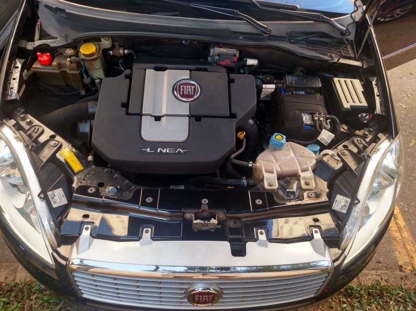 Fiat Linea 1.8 16V Absolute Dualogic - Foto #3
