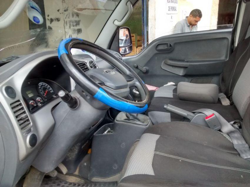 KIA Bongo 2.5 DLX 4X2 c simples RD com carrocaria - Foto #7