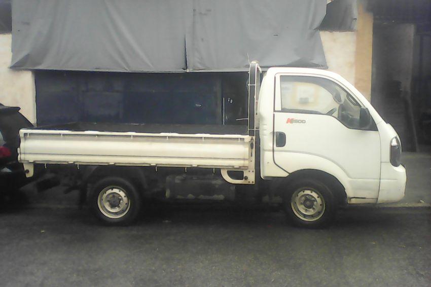 KIA Bongo 2.5 DLX 4X2 c simples RD com carrocaria - Foto #10