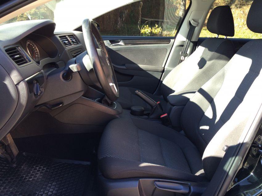 Volkswagen Jetta 2.0 Comfortline (Flex) - Foto #2