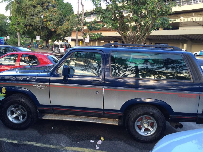 Chevrolet Bonanza Custom Luxe 4.0 Turbo - Foto #1