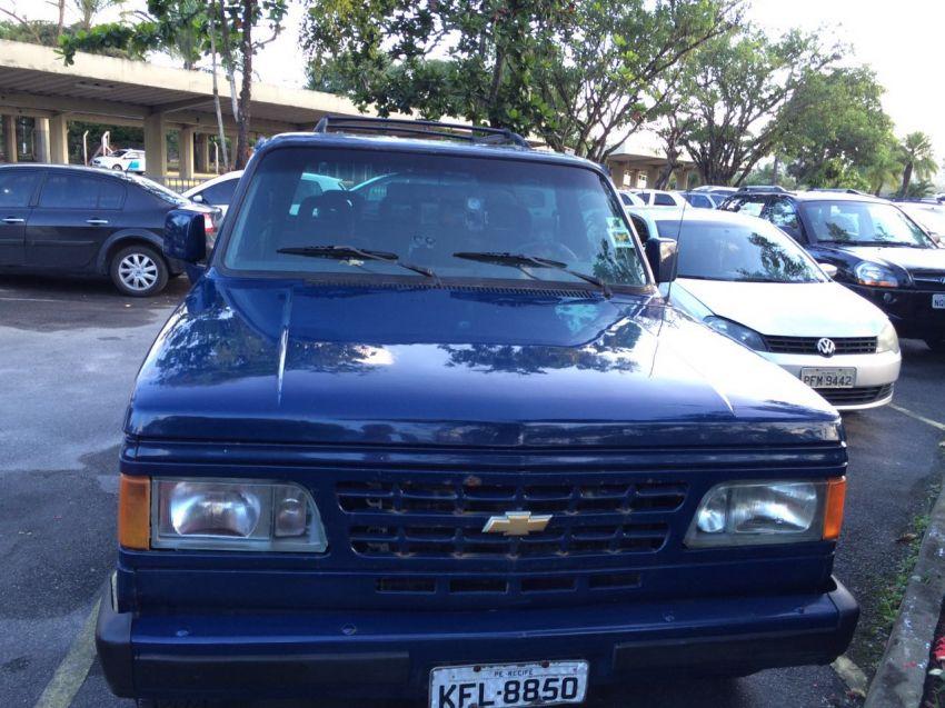 Chevrolet Bonanza Custom Luxe 4.0 Turbo - Foto #4
