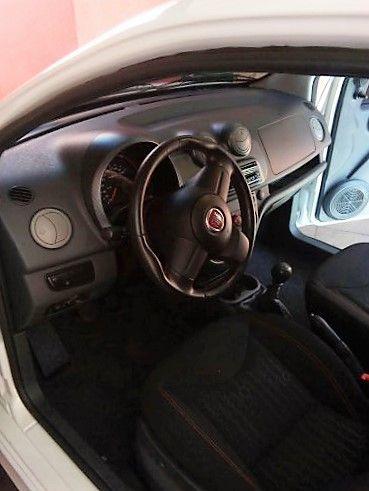 Fiat Uno Sporting 1.4 8V (Flex) 2p - Foto #3