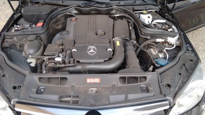 Mercedes-Benz C 200 CGI Sport - Foto #6