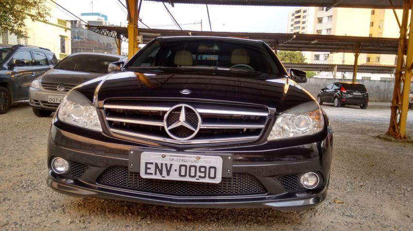 Mercedes-Benz C 200 CGI Sport - Foto #8